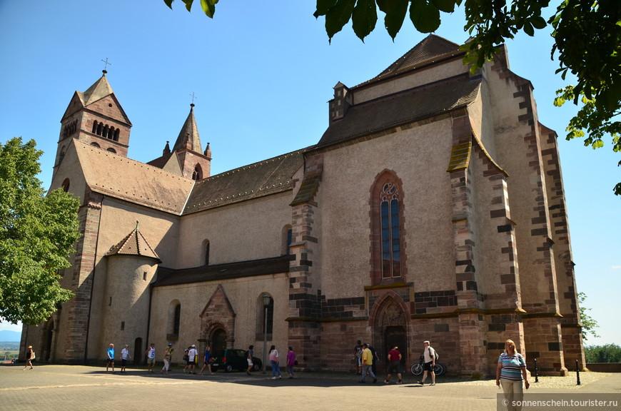Главная достопримечательность Брайзаха - собор Св. Стефана.