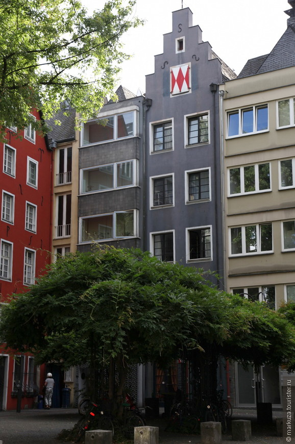 Улочки и домики Старого города.