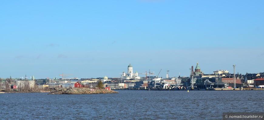 Вид на Хельсинки с парома.