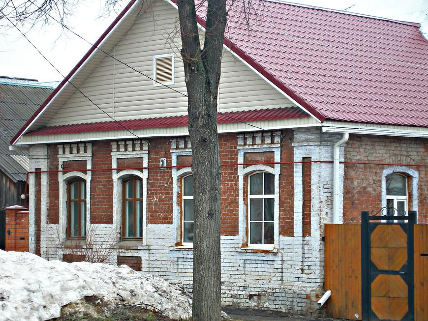 """Построенные в середине XIX в., """"мальцевские дома"""" до сих пор в хорошем состоянии."""