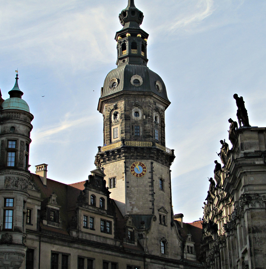 Сторожевая башня Хаусманнстурм. Ее высота - 100 м