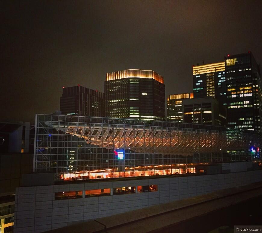 Токийский международный выставочный центр. Tokyo Kokusai Forum