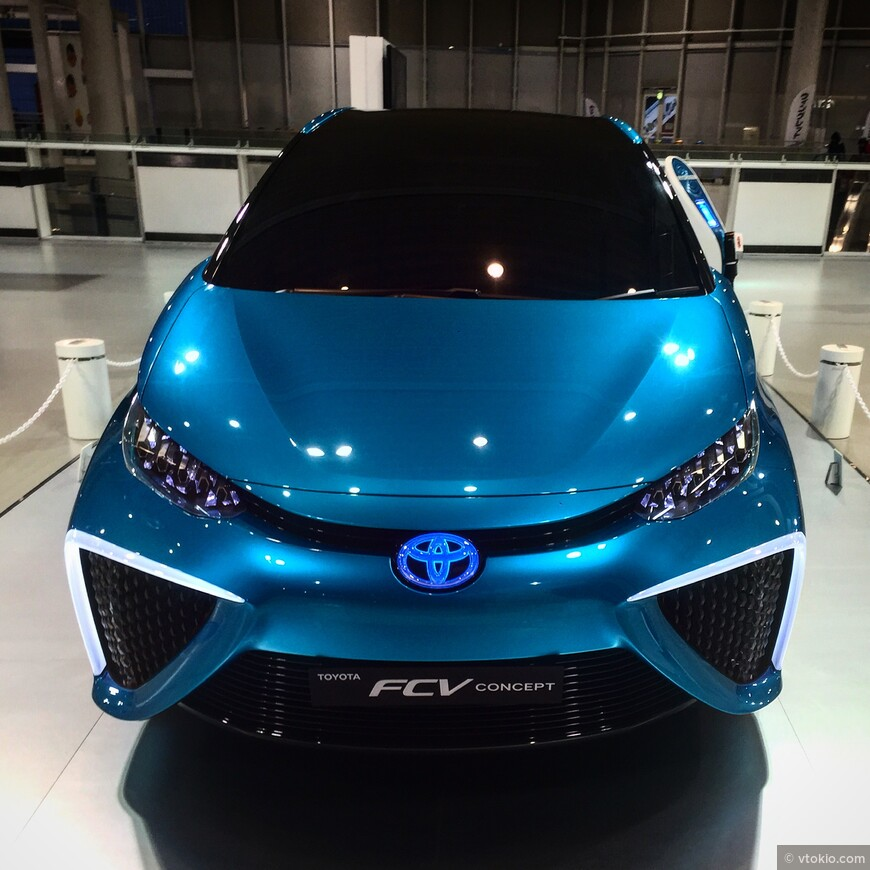 Когда то это был концепт автомобиля. А сейчас это Toyota Mirai которую запросто можно встретить на токийских улочках