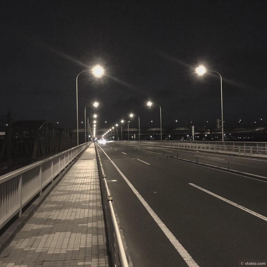 Ночью можно найти еще безлюдные места в городе