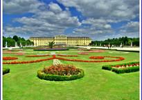 Дворец Шёнбрунн-самое посещаемое место Вены.