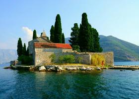 Четырнадцатичасовое турне по Черногории