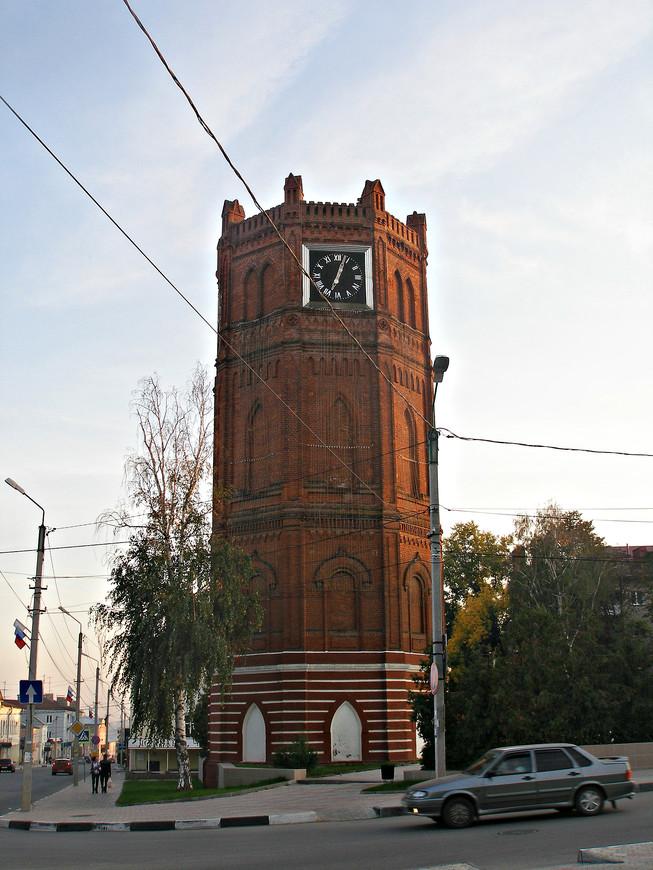 Бывшая водонапорная башня. Ныне - Часовая башня.