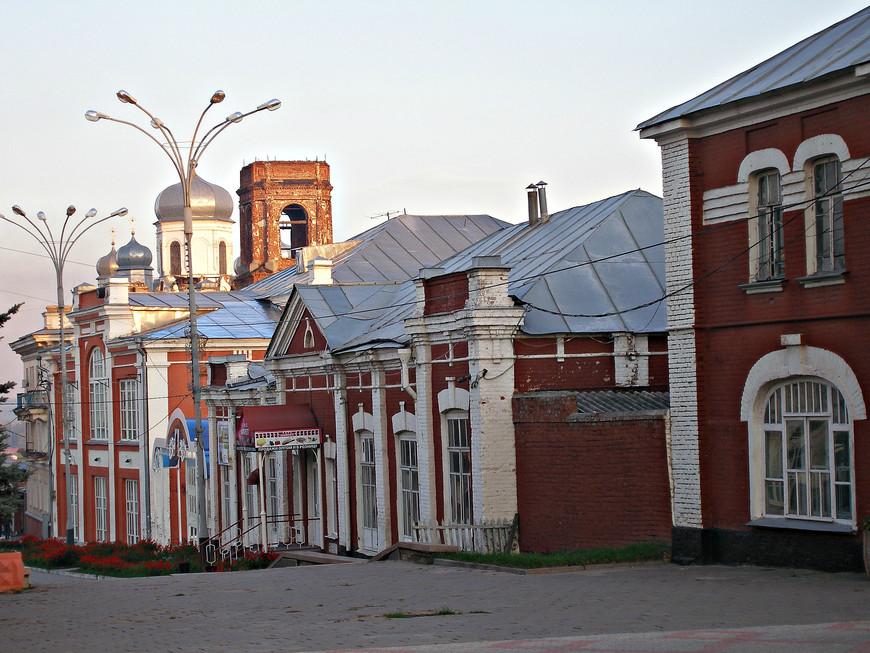 Главки церкви Михаила Архангела.