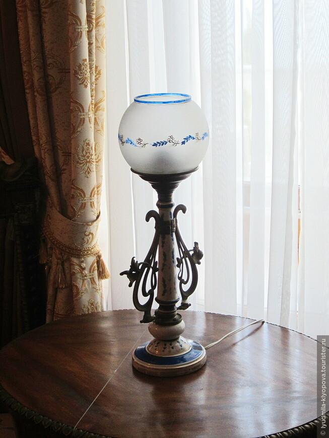 В комнатах Александры Фёдоровны есть удивительные по красоте вещи.