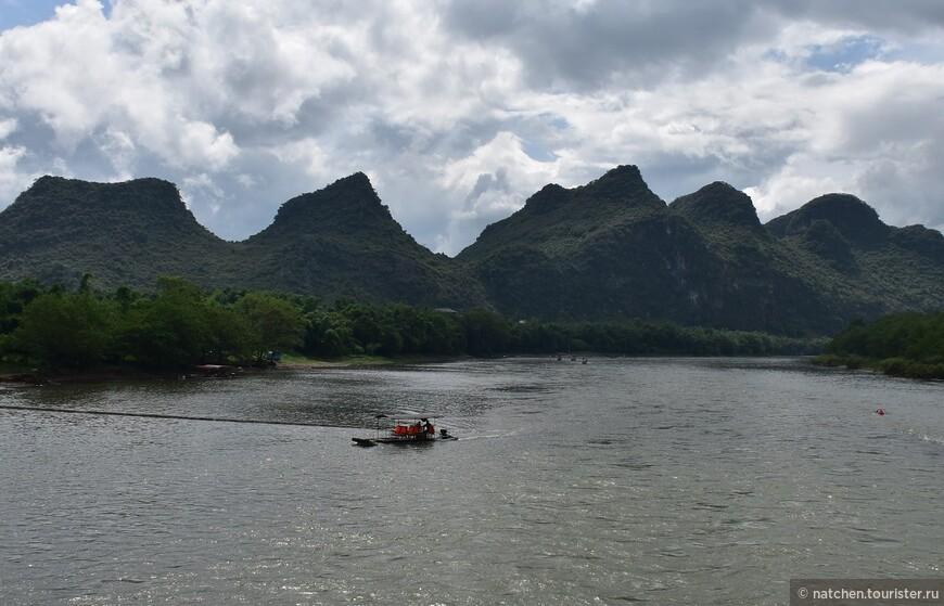 Местные карстовые пейзажи уникальны и, разве что созвучны и похожи с ландшафтами северного Вьетнама, которые объединяют одни и те же геологические процессы.