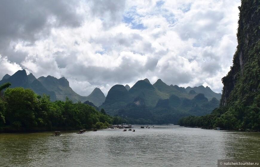 Река Лицзян протяженностью 428 км, берет свое начало примерно в 70 км от г.Гуйлинь в горах Маоэшань.