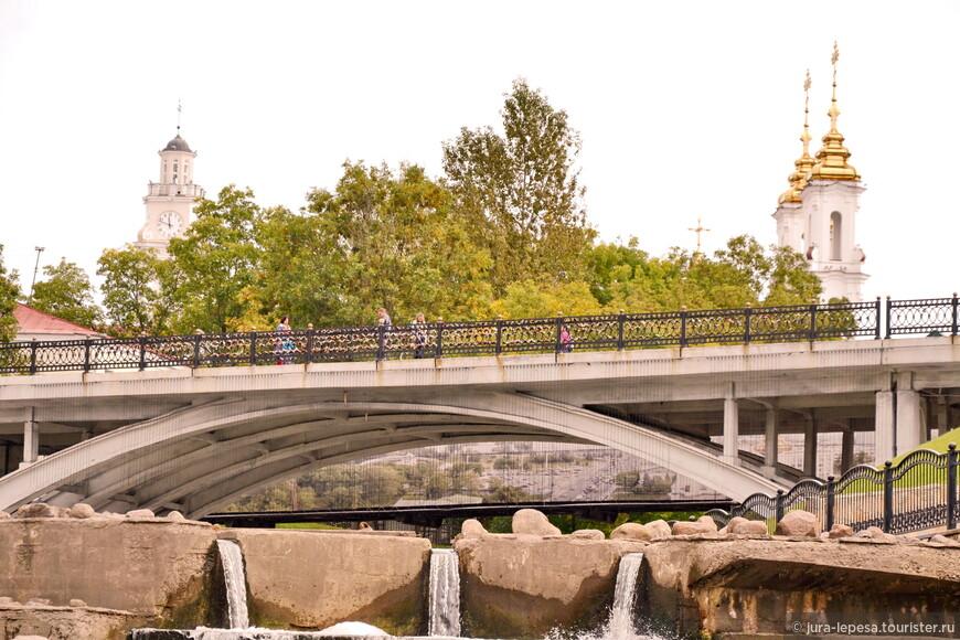 Город расположен на реке Западная Двина. Исторический центр очень компактный, его можно не спеша обойти за полдня, но очень симпатичный.