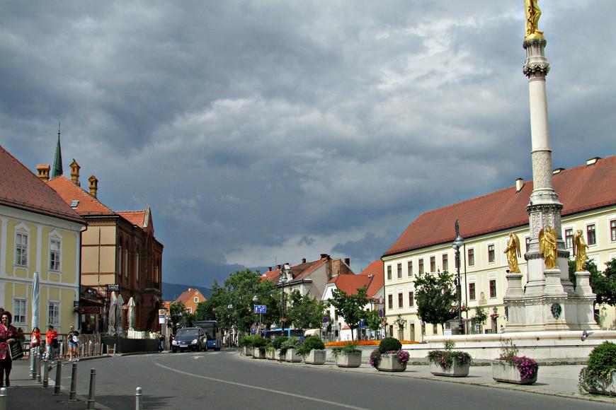 Площадь и улица  Каптол.
