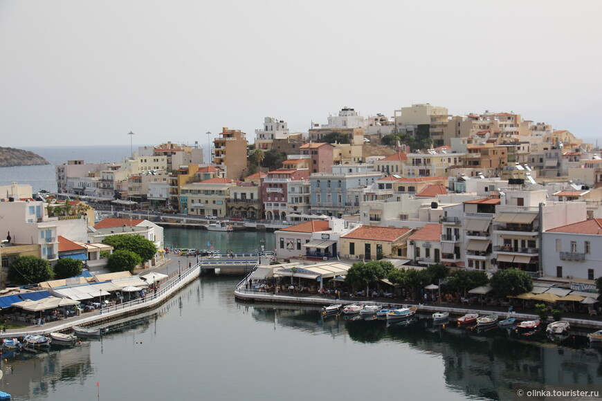 Агиос Николаос прославился на острове Крит как местный Сен-Тропе. Изначально город построили как убежище: жители Крита спасались здесь от притеснения турков.