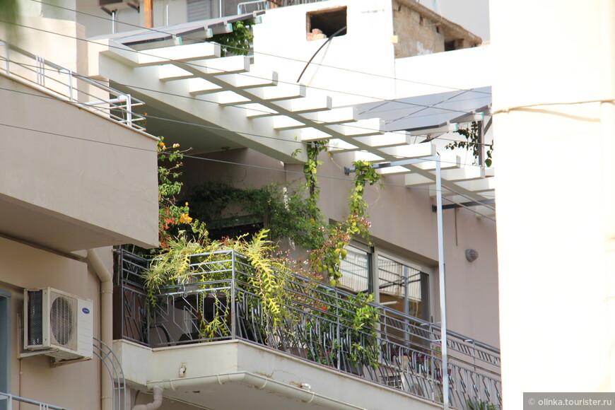 По пути наблюдали цветущие балконы.