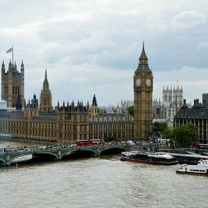 Район Вестминстер - это сосредоточие самых известных достопримечательностей Лондона: Парламент, Вестминстерское аббатство, Кафедральный собор Вестминстер, Скотланд Ярд, Jewel Tower