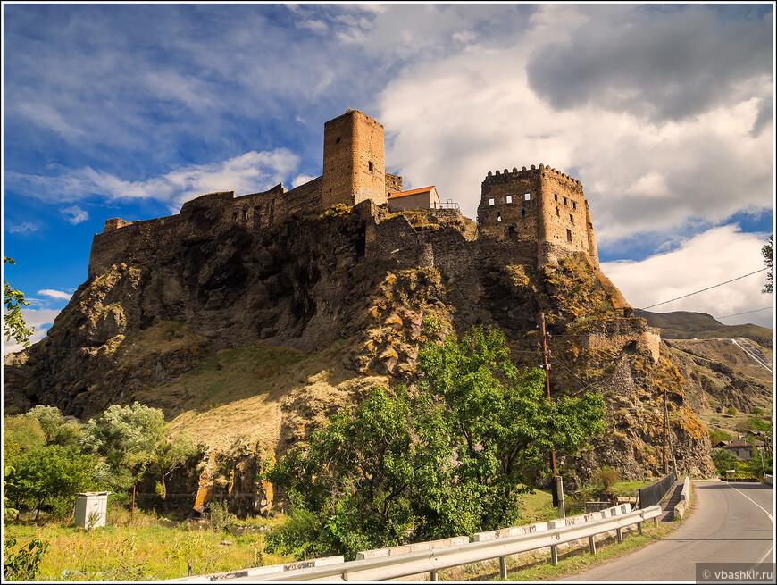 По пути из Боржоми в Вардзию. Крепость Хертвиси.