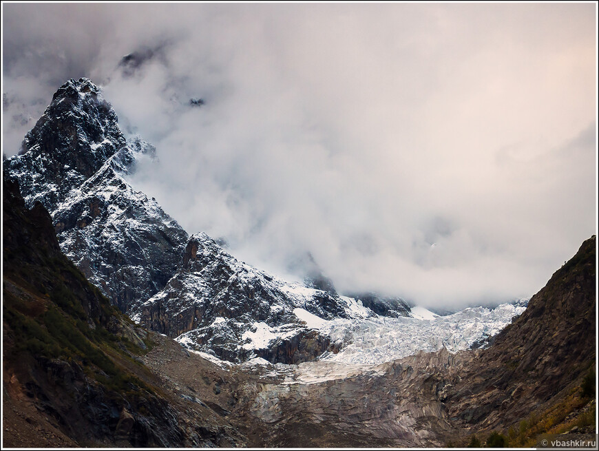 Ледник Чалаади недалеко от Местии.