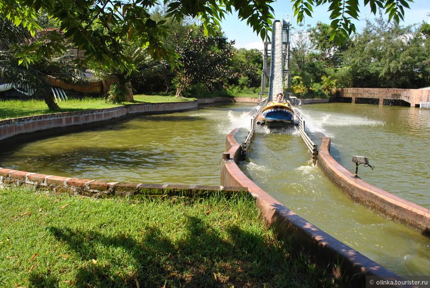 Парк развлечений включал в себя бассейн, горки. Аттракцион на выбор. Bali Safari & Marine Park - отличное развлечение на целый день!
