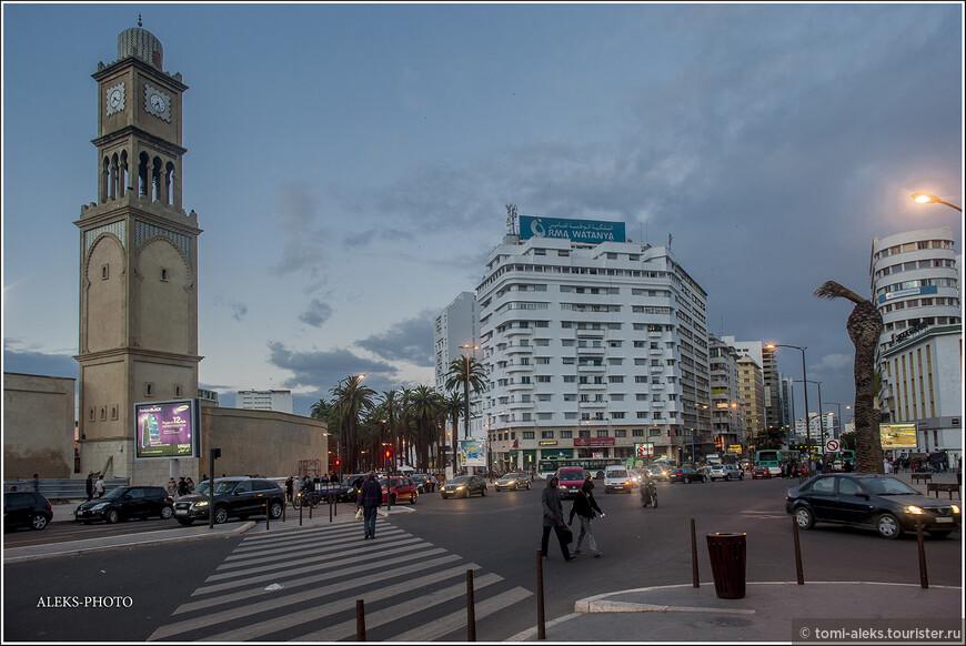 Считается, что Касабланка -безопасный город для туристов. Во всяком случае, мы гуляли поздно вечером и никакого напряга не чувствовали.