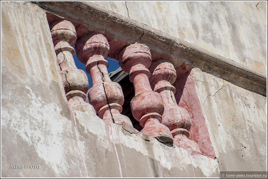 Влияние западной культуры чувствуется во многих деталях,в том числе - архитектурных...