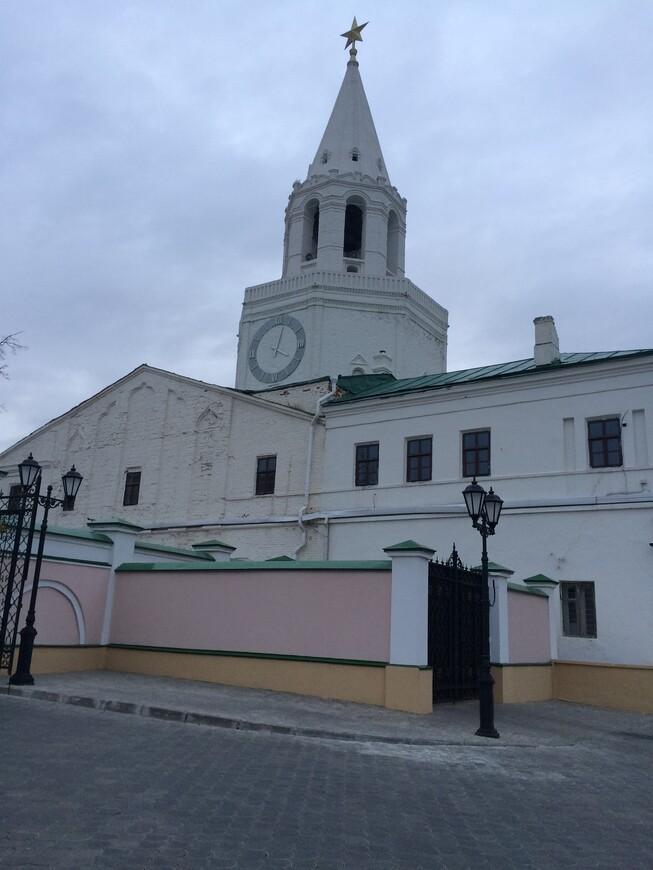 спасская башня. вход на территорию кремля