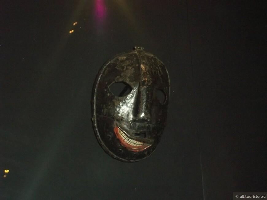 страшная маска палача. выставлена в тауэре