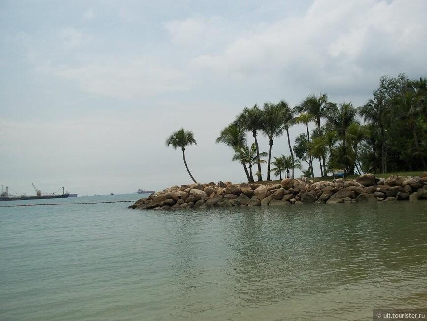 остров сентоза. туда все едут купаться и развлекаться на атрракционах