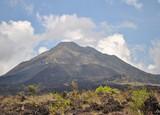 Вулкан и озеро Батур