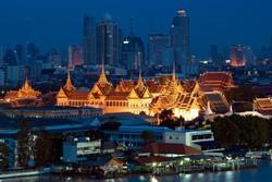Туристам в Таиланде раздадут черные ленты