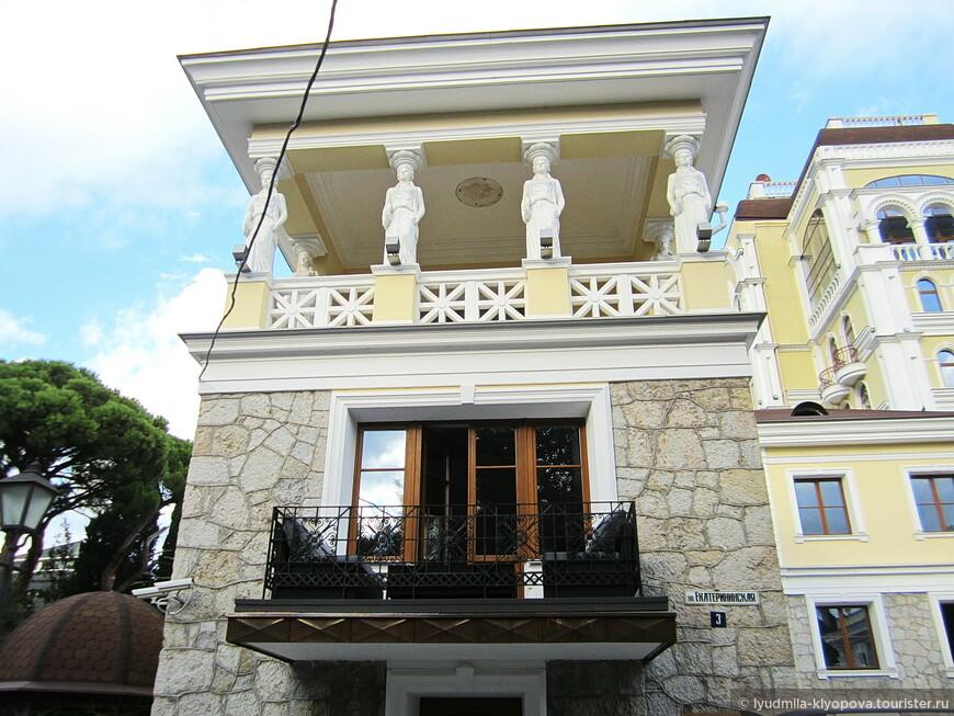 Дом композитора Александра Афанасьевича Спендиарова был построен в 1880-х годах. Хозяин покинул его в 1924 году.