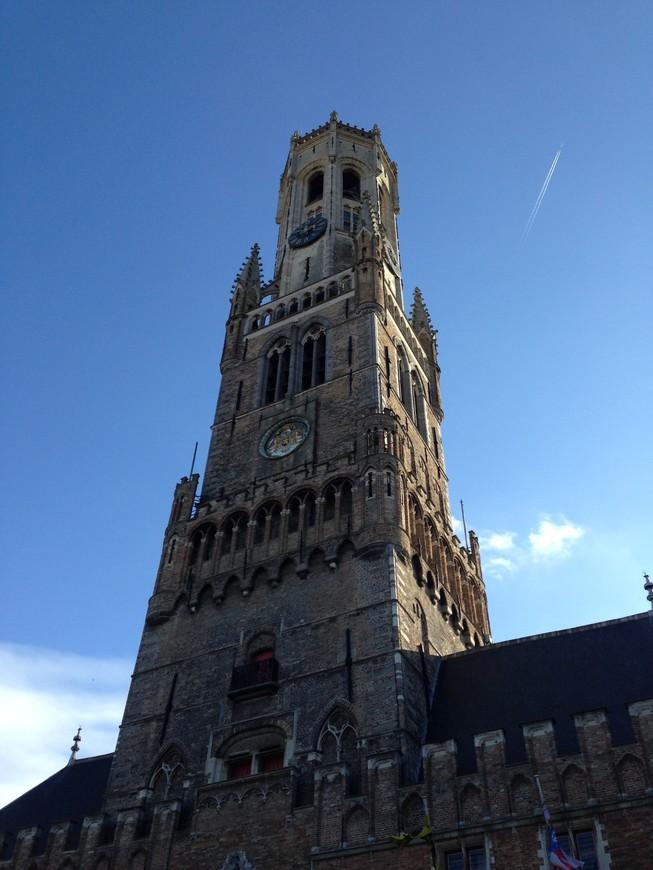 """Башня Белфорт - та самая, с которой упал один из героев фильма """"Залечь на дно в Брюгге"""""""
