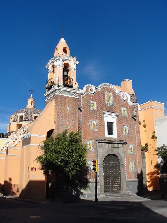 Одна из католический церквей в западной части исторического центра Пуэблы, построена в 17 веке.
