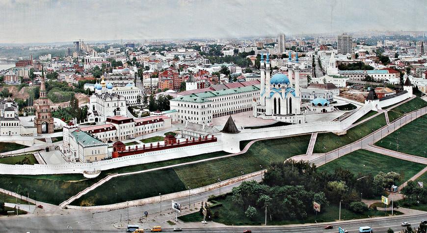 Вид на Кремль с высоты птичьего полета.