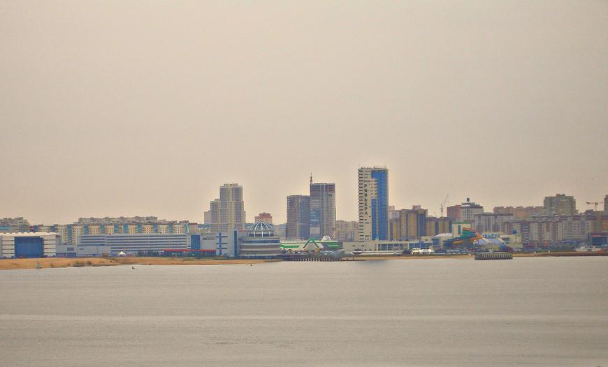 Вид с кремлевского холма. Дальний берег реки Казанки.