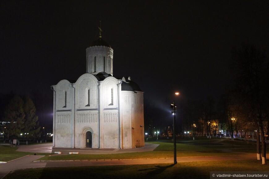 Дмитриевский собор на Княжеском дворе.