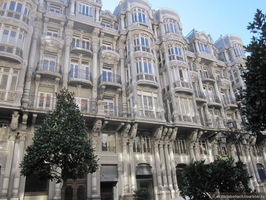 улица Урия - центр города, особняки 18-19 веков