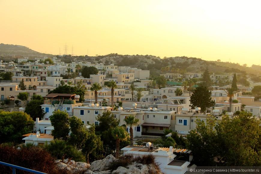 Типичный кипрский пейзаж греческой части острова.