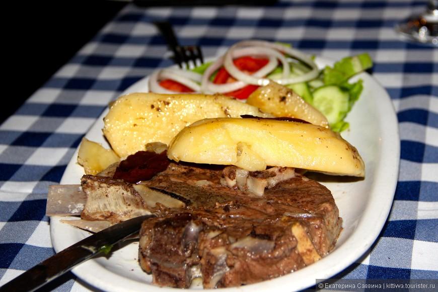 """В Протарасе есть прекрасный ресторан с отличной кухней """"Pinia"""", там  подают вкуснейшее Клефтико (томленая баранина). Хоть я и знакома с греческой культурой, такого Клефтико я больше нигде не ела."""