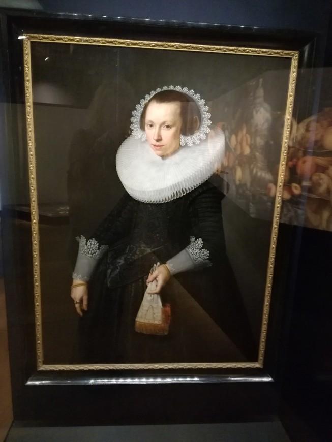 Первая жена Корнелиса де Графа, к сожалению через 2 месяца после бракосочетания Гертруда де Хоф умерла.