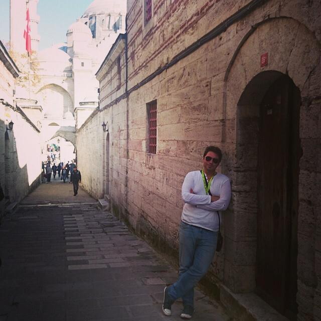 Мечеть Сулеймание, Самый Крупный мечеть в Стамбуле,и старие узкие улицы