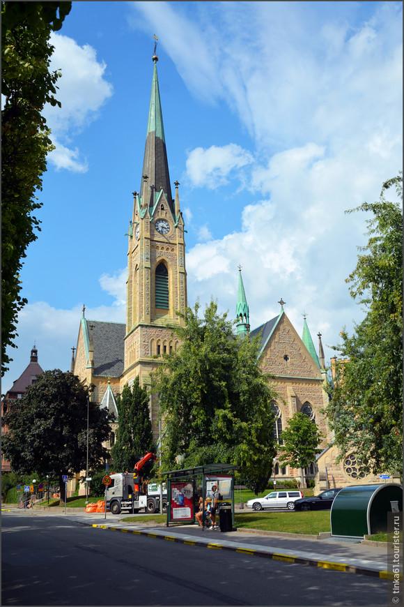Церковь  Оскара,  Oskarskyrkan, названная  в честь шведского короля Оскара Второго.