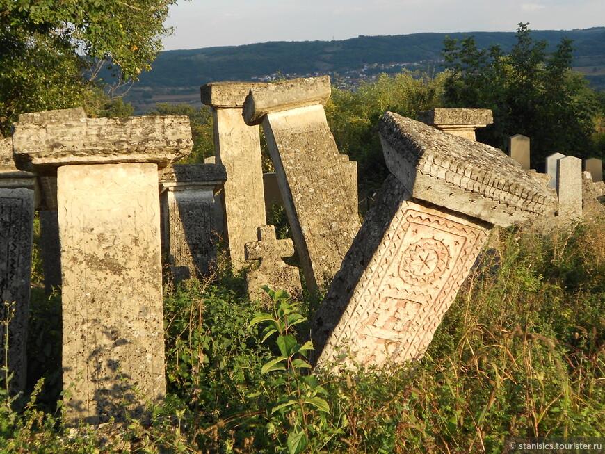 Раяц - старое кладбище