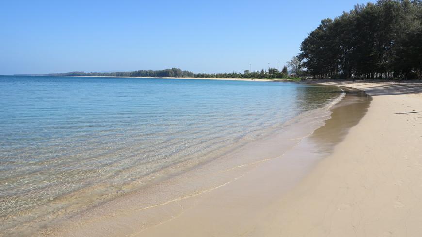 На пляже Наянг