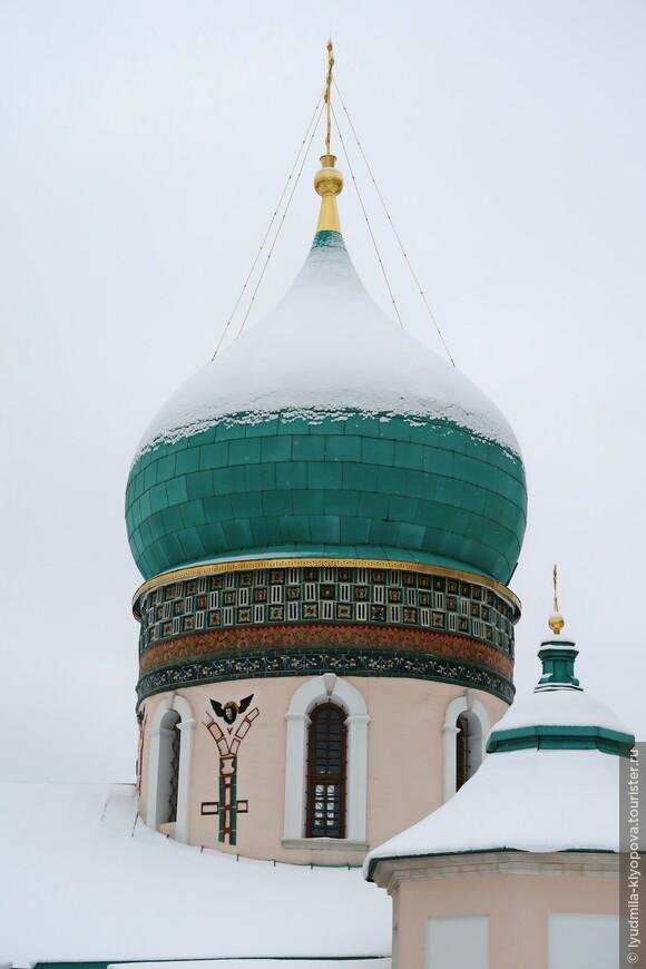 Купол Константино-Еленинской церкви.