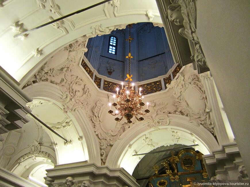 А это свод Константино-Еленинской церкви.