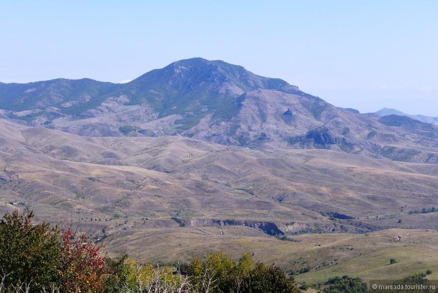 вот это больше всего похоже на классический армянский пейзаж
