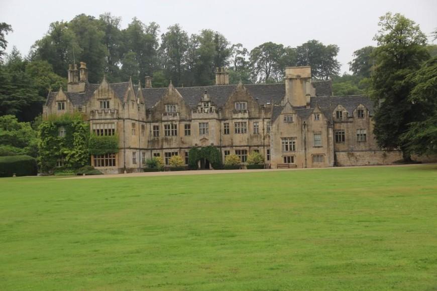 Бывший замок, а ныне отель Bibury Court. Ну чем не место для съемок очередного сериала или фильма?