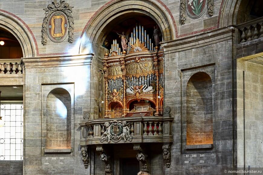 Церковь оставалась недостроенной почти сто пятьдесят лет...