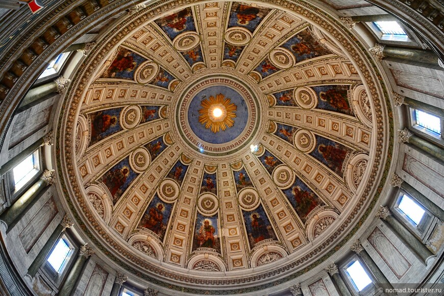 Существующее здание было построено по проекту Фердинанда Мелдала на средства банкира Карла Тьетгена (памятник которому стоит в сквере неподалеку от церкви), и открыта в августе 1894 года. Помимо всего прочего, церковь известна самым большим в Скандинавии куполом - его диаметр составляет 31 метр.